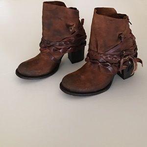 Freebird Cairo Boots